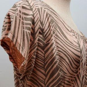 Liz Claiborne Tops - Liz Claiborne Peach short sleeve Blouse